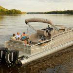 Bowrider-vs-pontoon